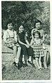 Hwang Yau-tai family.jpg
