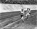 Internationale Athletiekwedstrijd in het Olympisch Stadion. Emil Zatopek, Bestanddeelnr 902-9145.jpg