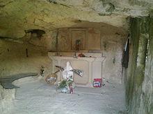 Interno della grotta dove San Corrado si ritirava per pregare e dormire