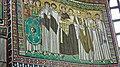 Italie, Ravenne, basilique San Vitale, mosaïque de l'empereur Justinien avec son cortège, VIe siècle (48087120942).jpg
