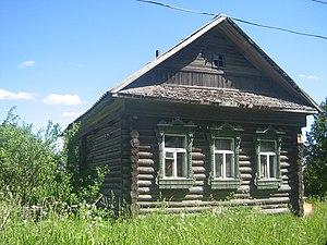 Русская изба в селе кушалино