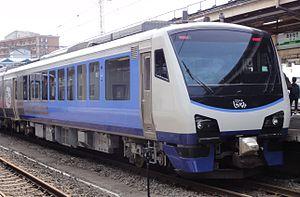 HB-E300 series - The four-car Resort Shirakami - Aoike set at Aomori Station in June 2011