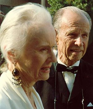 Hume Cronyn - Tandy and Cronyn at the 1988 Emmy Awards