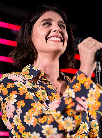 Jessie Ware - Ware performing in 2017.