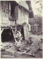 KITLV - 3732 - Kurkdjian - Soerabaja - Female weaver in East Java - circa 1900.tif