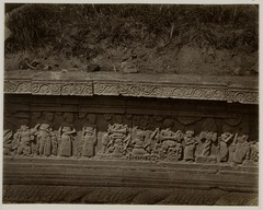 KITLV 28255 - Isidore van Kinsbergen - Relief on the west side of Panataran, Kediri - 1867-02-1867-06.tif