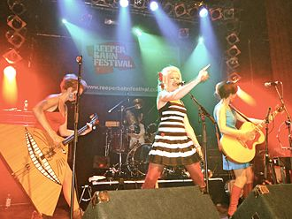 Katzenjammer (band) - Image: Katzenjammer performing live at Hamburg. Germany. 2009