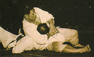 Side control - Kesa gatame applied by Masahiko Kimura