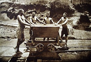 Ruanda-Urundi - Ruandan migrant workers at the Kisanga mine in Katanga (Belgian Congo)