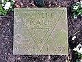 Kissenstein Karl Wolff Ehrenhain FriedhofOhlsdorf.jpg