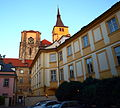 Kostel svatého Jiljí ze dvora.JPG