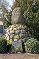Kriegerdenkmal auf dem Friedhof Elbeu.JPG