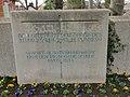 Kriegsdenkmal Friedhof Planegg Bombenangriff und Einmarsch Amerikaner.jpg