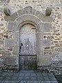 La porte laterale de l'eglise de gahard - panoramio.jpg