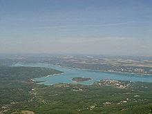 Le lac de Sainte-Croix (04) 220px-LacSte-Croix1