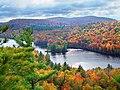 Lac en couleurs - panoramio.jpg
