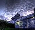 Les serres royales de Laeken en nocturne.jpg