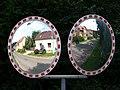 Libčice nad Vltavou, Chýnovská, v zrcadlech ze Saharské.jpg