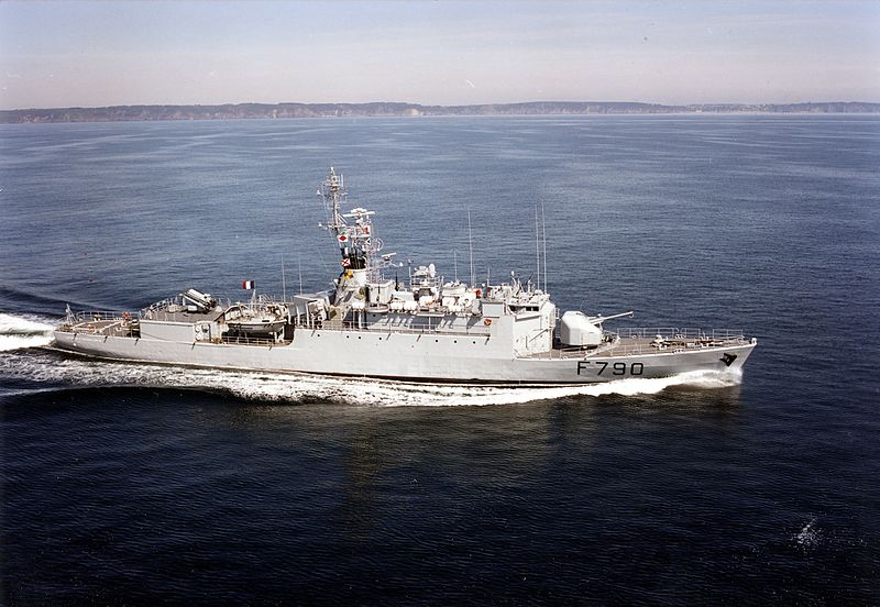 الفرقاطة الفرنسية La Fayette 800px-Lieutenant_de_vaisseau_Lavall%C3%A9e