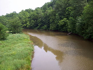 Der West Branch Hocking River im Belpre Township.
