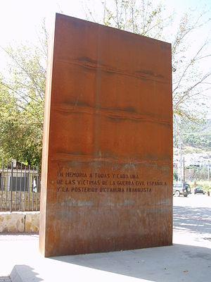 Español: Monumento en recuerdo a las víctimas ...