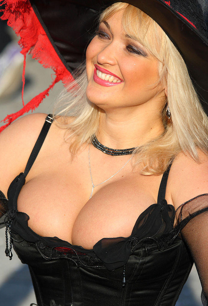 File:Lovely blonde Russian Woman with a great Smile at the 2010 ...