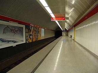 Blaha Lujza tér (Budapest Metro) - Image: M2 Blaha Lujza tér 2