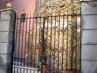 Barrio de La Latina (Madrid) - Remains of the Christian wall of Madrid on Mancebos Street.