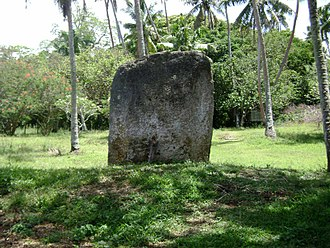 Haʻamonga ʻa Maui - Maka faakinanga stone throne