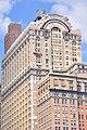 Manhattan - window washers on Whitehall Building Annex 05 (9440303887).jpg
