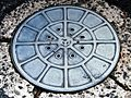 Manhole.cover.in.matsue.city.2.jpg