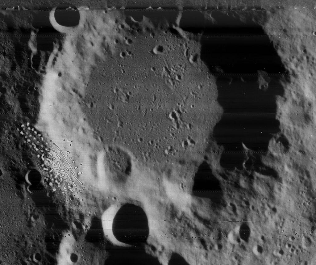 Manzinus crater 4082 h2.jpg