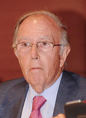 Oreja, Marcelino (1935-)