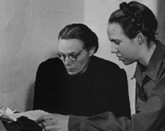 Margarete Himmler - Margarete Himmler (left) with daughter Gudrun in Allied internment during the Nuremberg Trials in Nuremberg, 24 November 1945