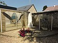 Marolles-les-Braults (Sarthe) memoriaux de guerre.jpg