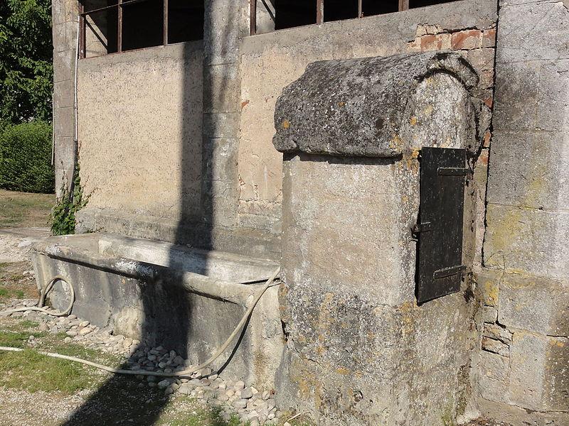 Marre (Meuse) puits-abreuvoir