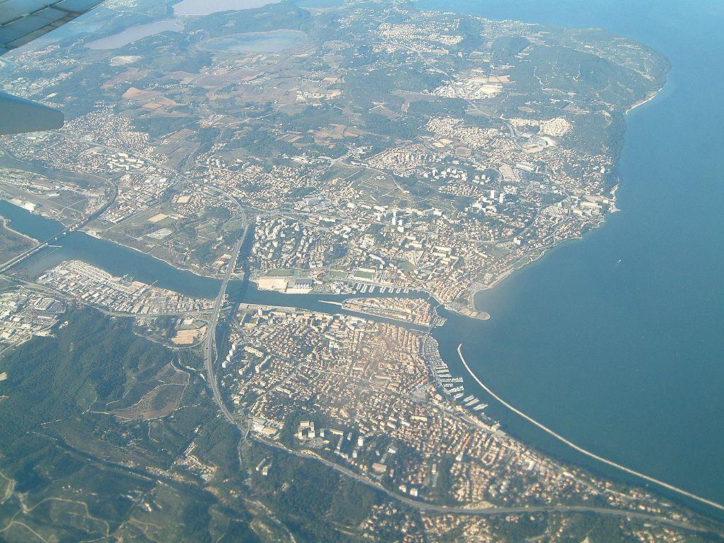 Martigues from the air.jpg