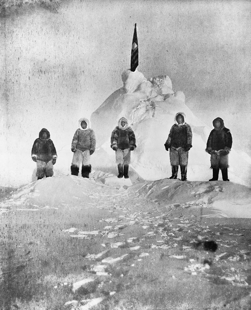 Matthew Henson and four Inuit guides