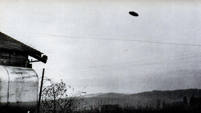 File:McMinnville UFO 1.png
