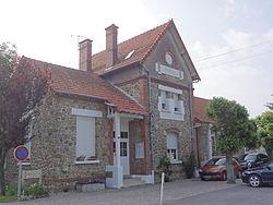 Menneville (Aisne) Mairie.JPG