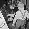 Mevrouw Kennedy bezoekt Burgerweeshuis te Amsterdam, Bestanddeelnr 913-5639.jpg