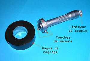 configuration 1641 - Page 2 300px-Micrometre_interieur