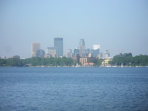 Minneapolis Skyline as seen from Lake Calhoun - panoramio.jpg