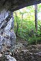 Mont-la-ville, abri sous roche du Mollendruz, ruisseau intérieur.jpg