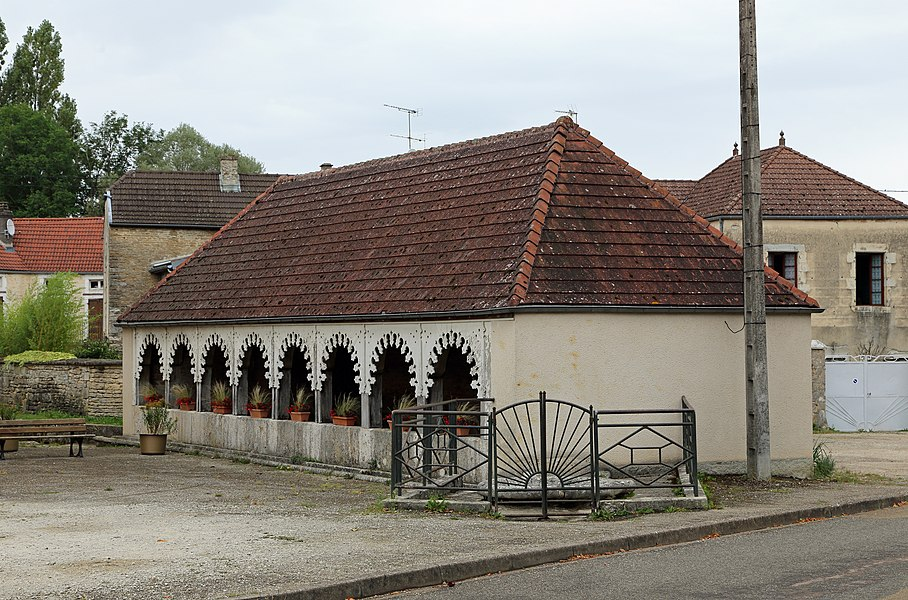 Montigny-sur-Aube (Côte-d'Or department, France): wash house