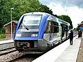 Moreuil - X73595 en gare.jpg