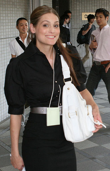 387px Morgan Webb in a hurry I probably get all the tech news Morgan Webb tells about through other ...