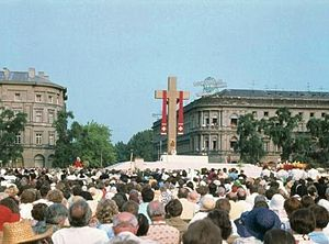 Piłsudski Square - Piłsudski Square (then Victory Square) during Pope John Paul II visit to Warsaw; Holy Mass, 1979