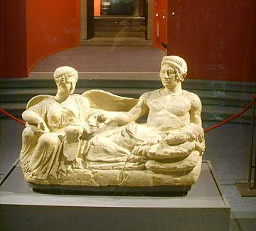 Museo archeologico di Firenze, statuia funeraria da Chianciano, V sec. a.c. 2 cropped.jpg