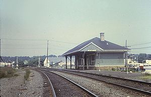 Mystic station (Connecticut) - Mystic station in August 1972. At that time the station was closed to passengers, though Amtrak claimed ownership.